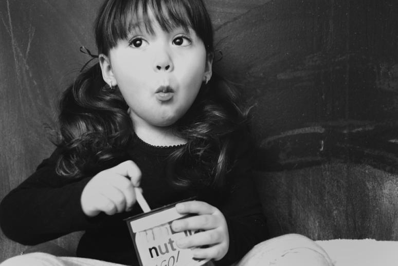 Scarlett-Hernandez-_-nutella