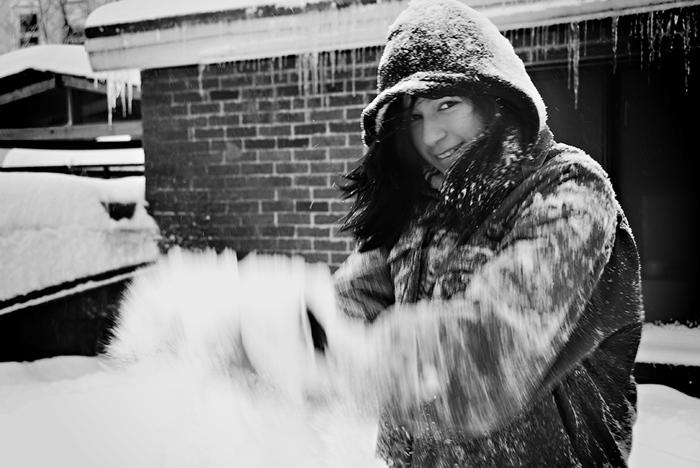 Scarlett-Hernandez-_-snowblur